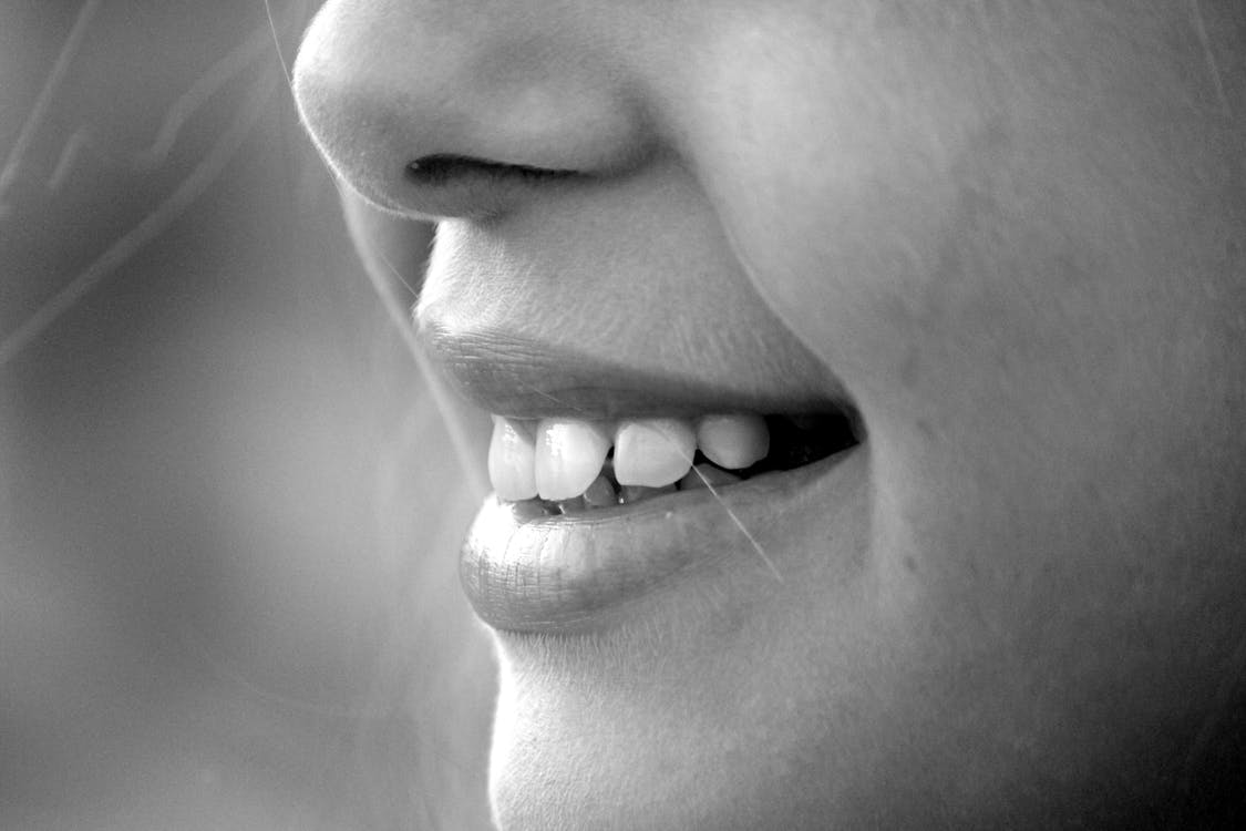 How To Tell If You Might Need Dental Implants